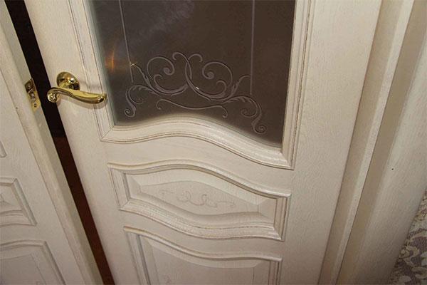 Двери с патиной