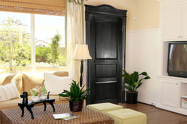 Сосновые двери – современная красота с давней историей