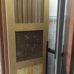 Шпонированная дверь с различными заполнениями