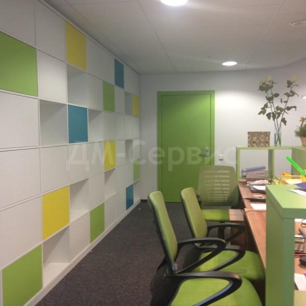 Яркие двери в офисе компании Food Union
