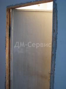 Дверь в сталинке до реставрации