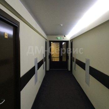 Двухстворчатая шпонированная остекленная дверь