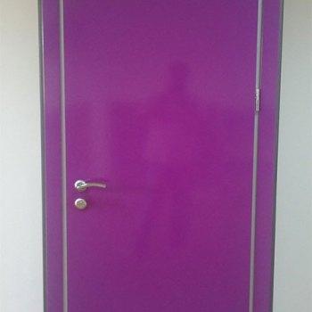 Стильная дверь для детского сада