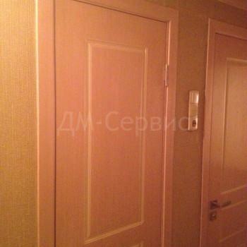 Шпонированные двери цвета беленый дуб для ванной и туалета