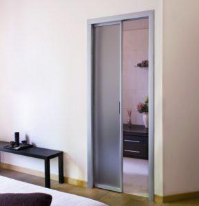 дверь-пенал со стеклом