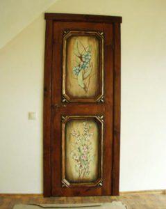 дверь с художественной росписью