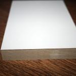 Доборный элемент белого цвета