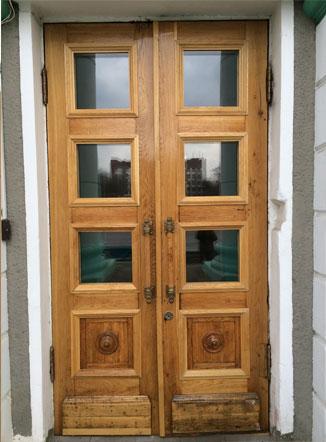 Дубовые двери