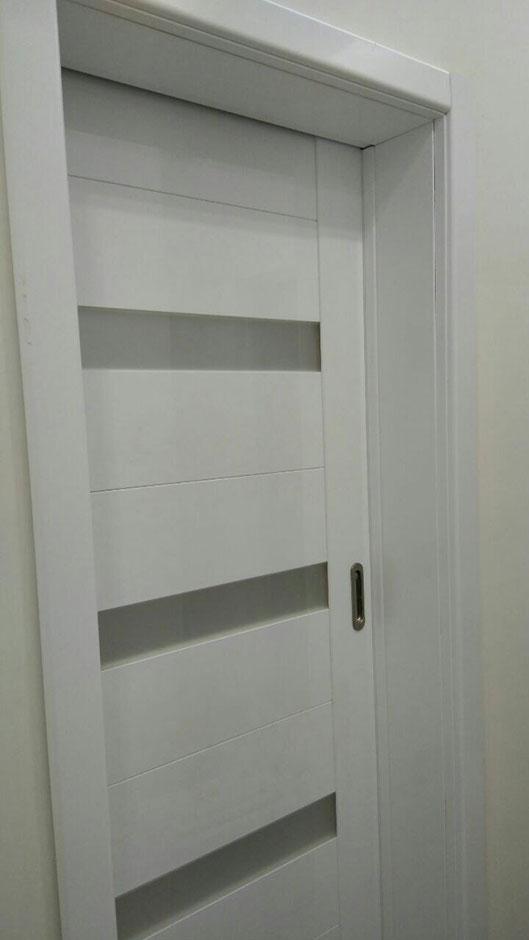 Стильные белые двери облицованные пластиком CPL