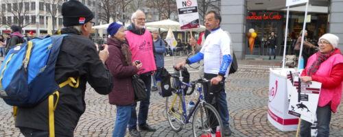 Infostand in Darmstadt mit Rudi Birkmeyer auf dem Weg nach Berlin 05.04.2019