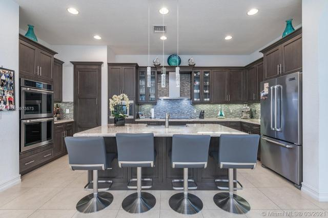 Property for sale at 1129 SW 113th Way, Pembroke Pines,  Florida 33025