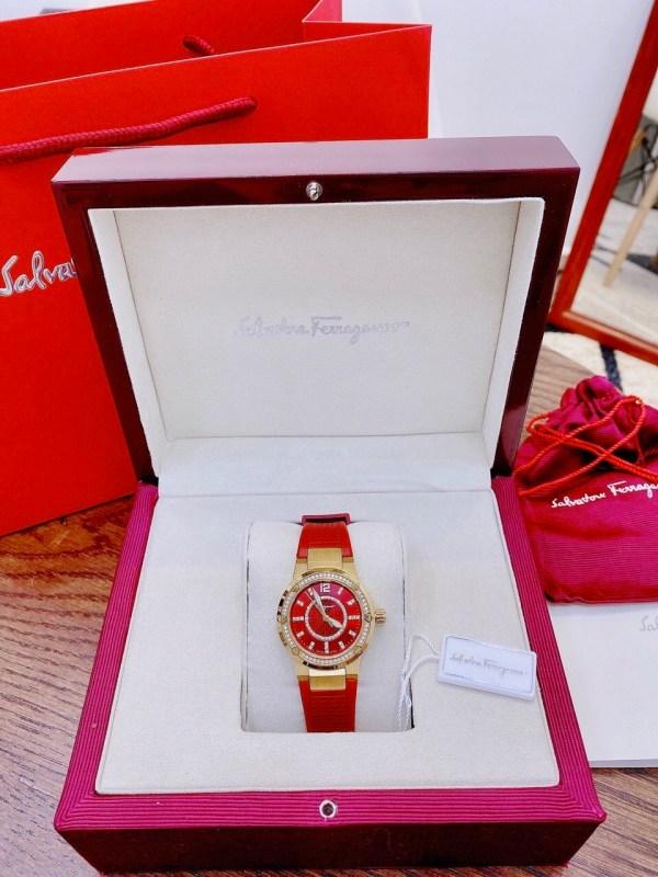 Đồng hồ Ferragamo nữ dây cao su