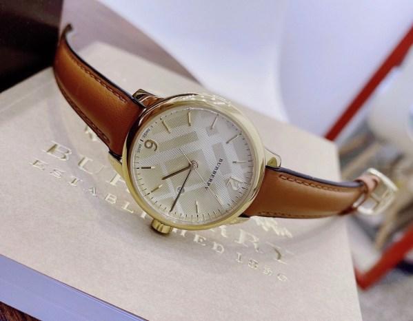 Đồng hồ burberry nữ dây da mặt tròn