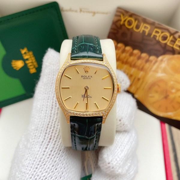 Đồng hồ Rolex nữ mặt vuông đính đá