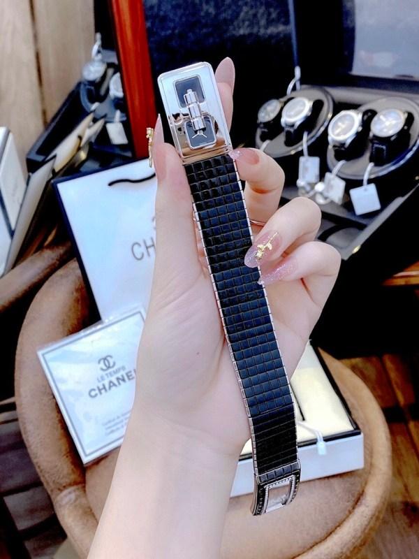 Đồng hồ Chanel mặt vuông