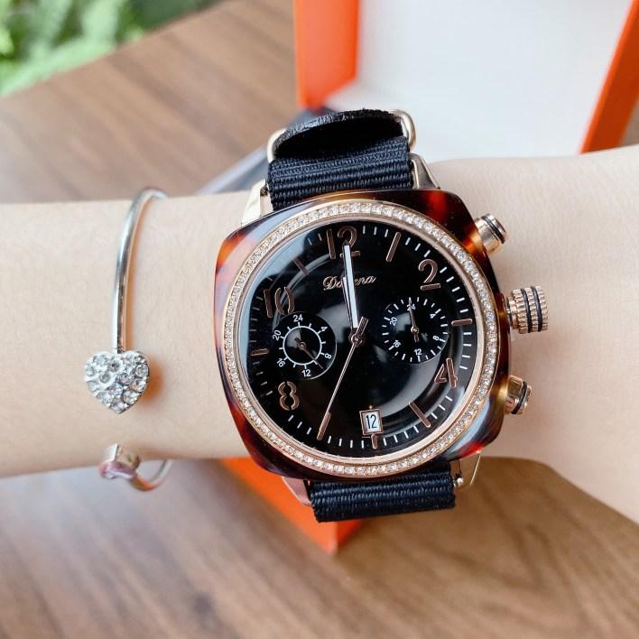 Đồng hồ Davena nữ mặt vuông