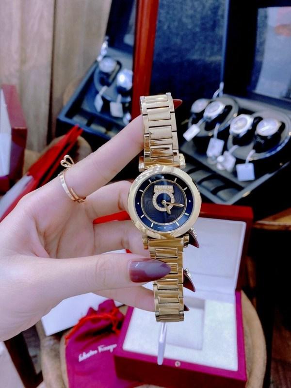 Đồng hồ Salvatore Ferragamo nữ đính đá