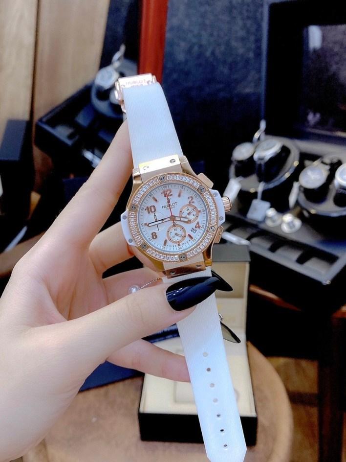 Đồng hồ Hublot nữ dây cao su màu trắng