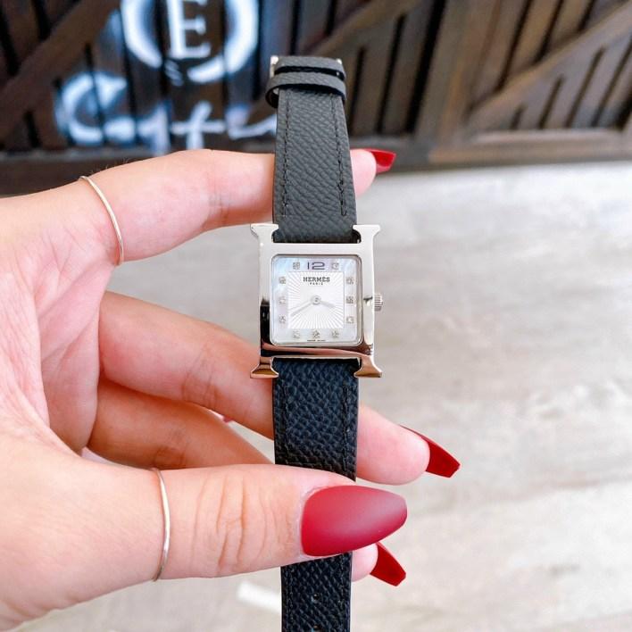 Đồng hồ Hermes nữ dây da màu đen