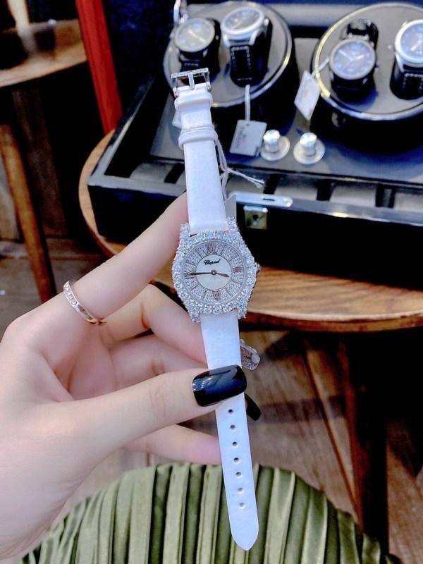 Đồng hồ Chopard nữ dây da màu trắng