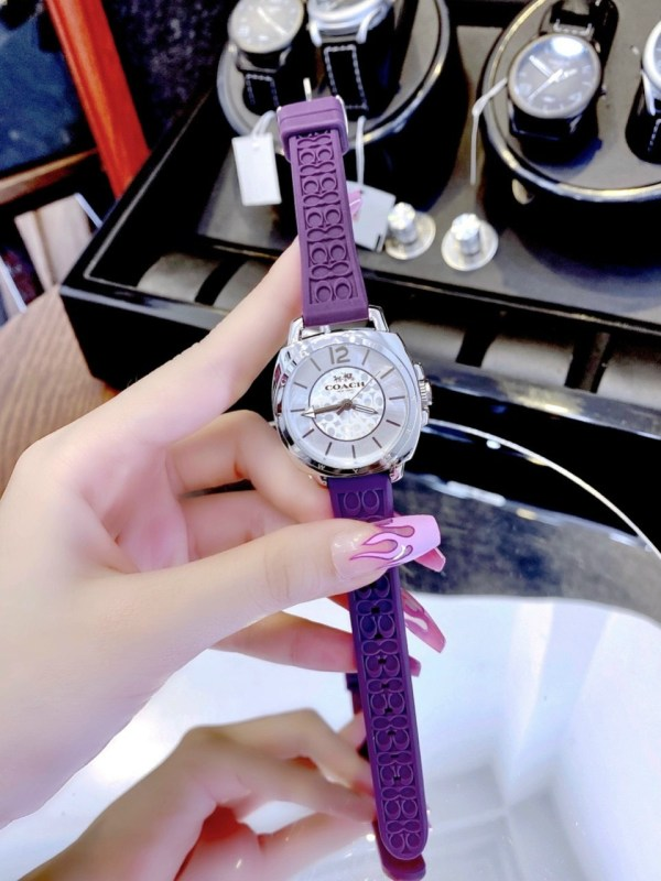 Đồng hồ Coach nữ dây cao su màu tím