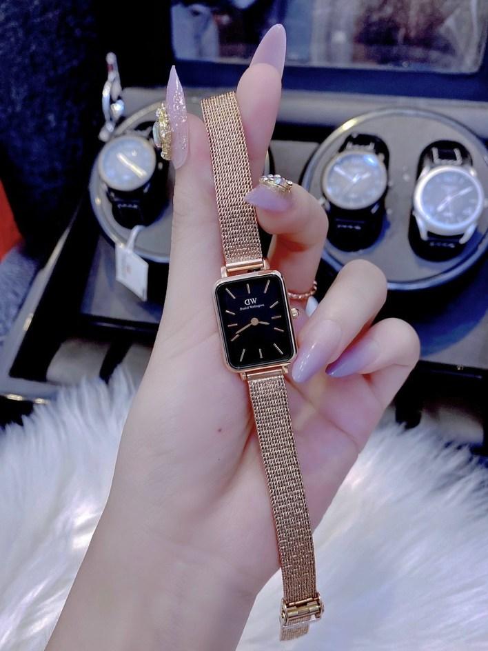 Đồng hồ DW nữ mặt chữ nhật