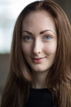 Headshot of Leicester dancer Nadine Knew