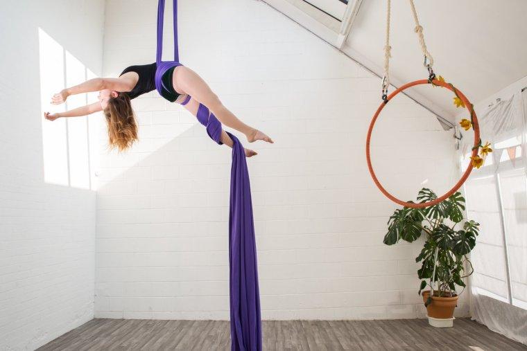 Ria Ashcroft on silks at Circus Hub Nottingham