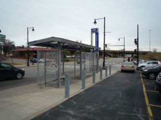 bus-troostmax-station-charlotte