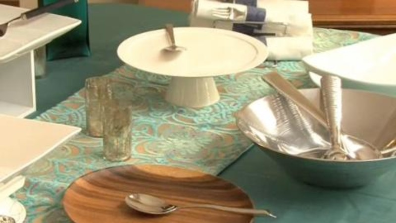 Watch Expert Entertaining Tips Setting The Buffet Table Epicurious Video CNE
