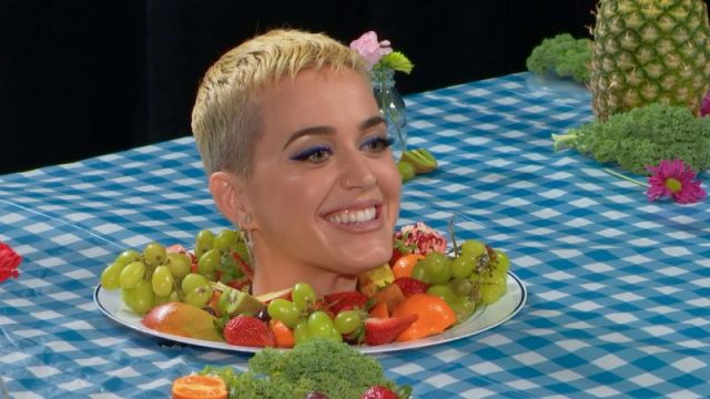 Resultado de imagem para Katy Perry Goes Undercover as an Art Exhibit at the Whitney Museum | Vanity Fair