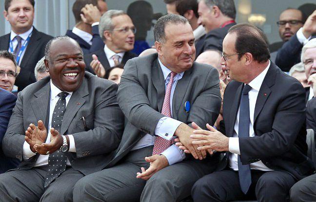 648x415 francois hollande ali bongo salon bourget 15 juin 2015 - France-GABON-Salon du Bourget : Quand François Hollande essaye de vendre un Rafale à Ali Bongo