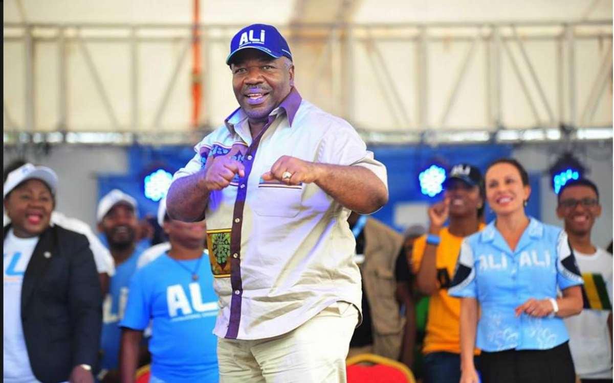 Présidentielle 2016 Ali Bongo dans la province de la Nyanga - Présidentielle 2016 : Ali Bongo dans la province de la Nyanga