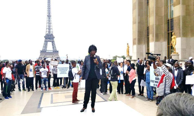 PARIS le 18 septembre 2016 Place du Trocadéro anne marie dworaczek bendome 004 - PARIS : MANIFESTATION DE SOUTIEN AU PRÉSIDENT RÉÉLU ALI BONGO ONDIMBA