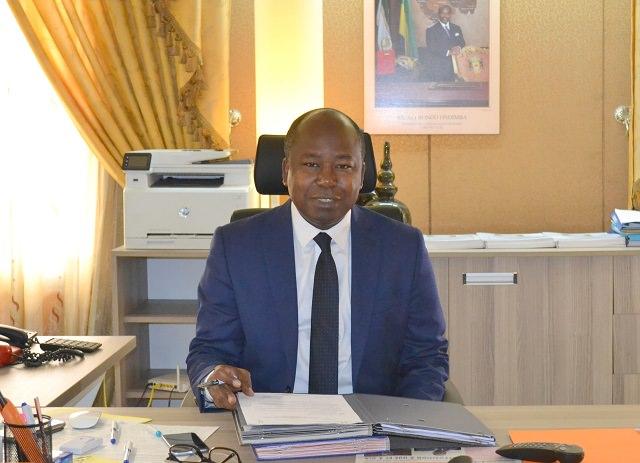 Gabon crispé : Le regard de Bilie-By-Nzé