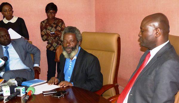 Bras de fer dans l'éducation nationale : Bruno Ben Moubamba  appelle à la  désescalade