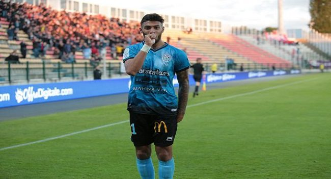 arton38917 - Football : Denis Bouanga, très en forme !