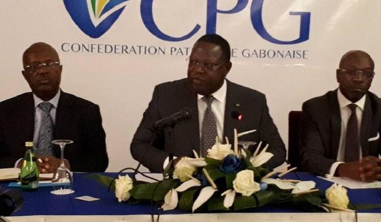 Emmanuel Issoze Ngondet et le patronat - Gabon : Emmanuel Issoze Ngondet privilégie la voie du dialogue avec le patronat