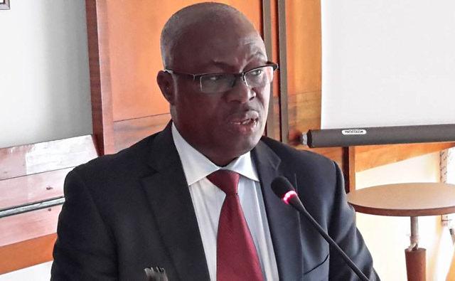Au Gabon, la police empêche Moukagni Iwangou de quitter Libreville pour Paris