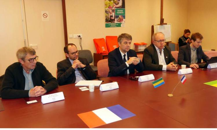 59bf2d43 bf2c 4518 8e25 f3b9ea6ac004 - Diplomatie : L'Ambassade du Gabon en mission de prospection économique à Rouen