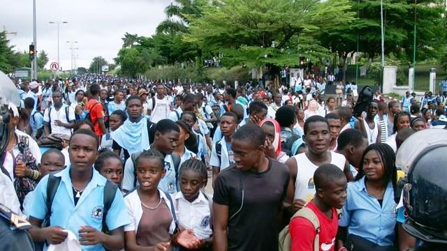 lyceens du gabon - Gabon : 83% de taux d'échec au baccalauréat. Qui sont les responsables ?