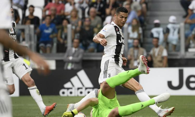 DB275B3B 9030 420E B7EB 35CD451028AF w1200 r1 s - Cristiano Ronaldo face à Jose Mourinho lors de la Ligue des champions