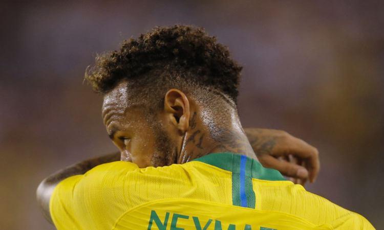 2FAC6216 4196 4183 AF26 8A45227C6E2E w1200 r1 s - Le Brésil bat les Etats-Unis 2 à 0 en amical