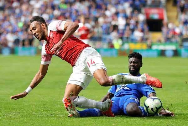 arton40460 - Football/Premier League : Aubameyang l'emporte sur Bruno Ecuele Manga