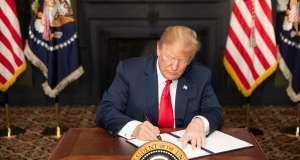 ETATS-UNIS: Washington rétablit ses sanctions controversées pour faire plier l'Iran