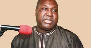 ZEPHIRIN DIABRE, PRESIDENT DE L'UPC  « La seule chose qui peut sauver le Burkina, c'est un changement de régime »