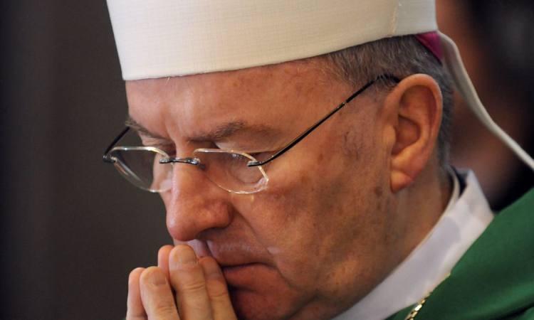"""Nonce accusé d'agressions en France: le Vatican doit prendre ses """"responsabilités"""""""