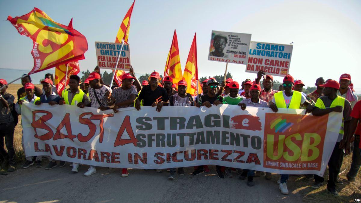 """Italie/Vérone: des milliers de femmes dans la rue contre les """"idées rétrogrades"""" du congrès des familles"""