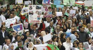 Maghreb : Les Algériens restent mobilisés un mois après le début de la contestation