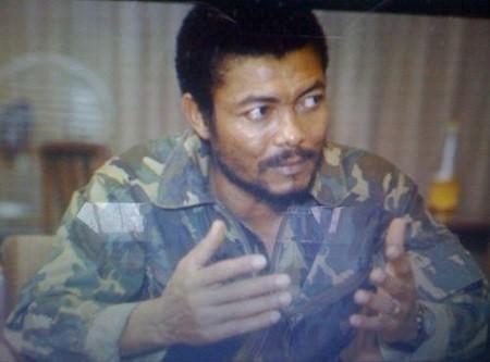 1605 66199 jerry rawlings putschiste romantique et dictateur bien aime L - Ghana: Jerry Rawlings, putschiste romantique et « dictateur » bien aimé